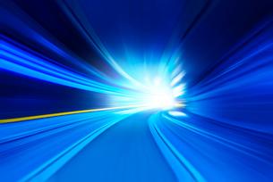 スピード感のある道路 CGの写真素材 [FYI01397276]
