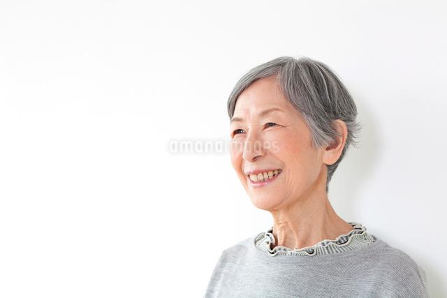 笑顔のシニア女性の写真素材 [FYI01397464]