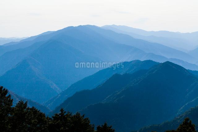 玉置神社から見た山々の風景の写真素材 [FYI01401730]