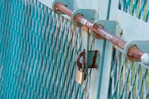 扉と鍵の写真素材 [FYI01402367]