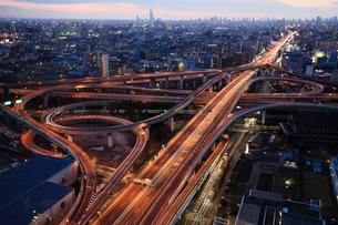 東大阪ジャンクションの夜景の写真素材 [FYI01403162]