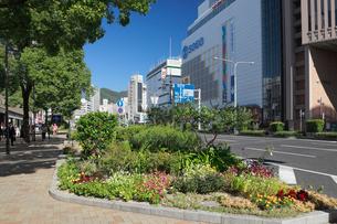 三宮の街並みと神戸市街の写真素材 [FYI01403229]