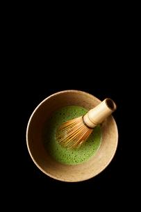 器に入った抹茶の写真素材 [FYI01403691]