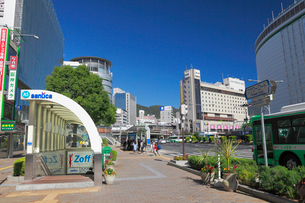 三宮の街並みと神戸市街の写真素材 [FYI01403982]