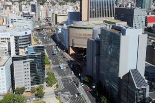 三宮の街並みと神戸市街の写真素材 [FYI01405455]