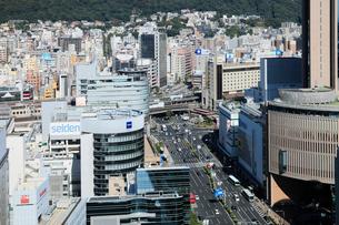 三宮の街並みと神戸市街の写真素材 [FYI01405599]