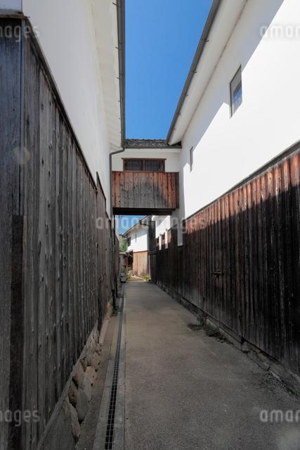 五條新町通の町並みの写真素材 [FYI01407230]