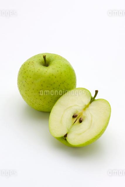 りんごの写真素材 [FYI01407887]
