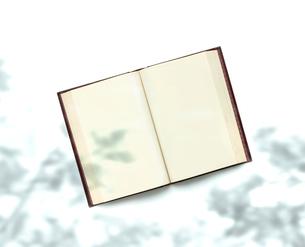 古書と影の写真素材 [FYI01408641]