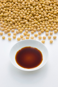 醤油と大豆の写真素材 [FYI01408666]