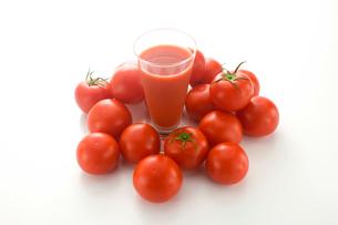 トマトとトマトジュースの写真素材 [FYI01410124]