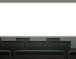 スクリーンと椅子の写真素材 [FYI01410360]