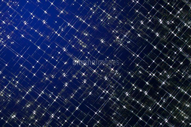 ブルーのイルミネーションの写真素材 [FYI01413621]