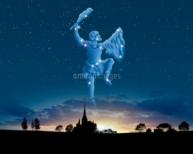 夕景にオリオン座の写真素材 [FYI01413746]