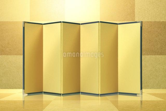金箔バックに金屏風の写真素材 [FYI01414054]