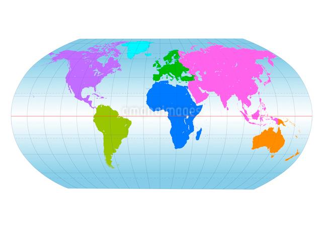 大陸別に色分けされた世界地図のイラスト素材 [FYI01414121]