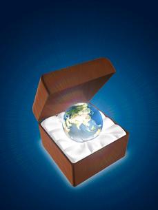 ジュエリー箱を開くとそこに煌めく地球のイラスト素材 [FYI01414495]