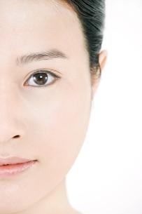 20代東洋人女性の美容イメージの写真素材 [FYI01414582]