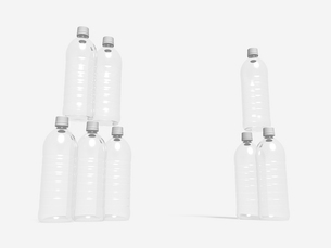 ペットボトルのモノクロイメージのイラスト素材 [FYI01415597]