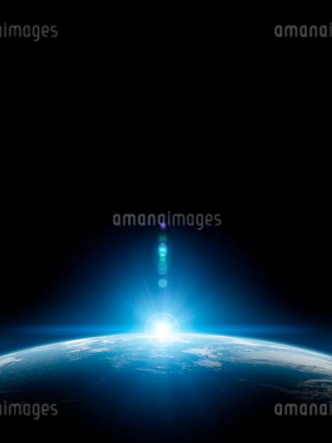 地球と日の出の写真素材 [FYI01415918]