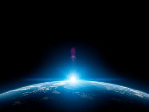 地球と日の出の写真素材 [FYI01415980]