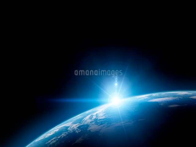 地球と日の出の写真素材 [FYI01416006]