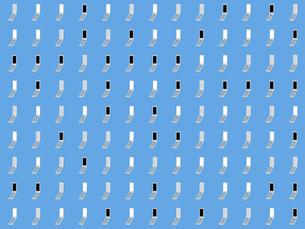 整列するたくさんの携帯電話のイラスト素材 [FYI01416347]