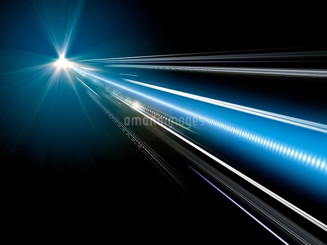 光芒から直進する光線の写真素材 [FYI01416387]