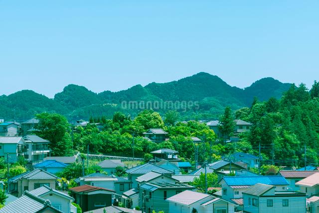 山間の家並みの写真素材 [FYI01417391]