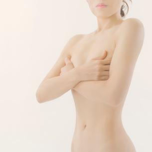 日本人女性のヌードの写真素材 [FYI01417616]