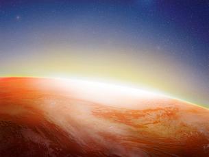 暖色の地球イメージのイラスト素材 [FYI01417652]