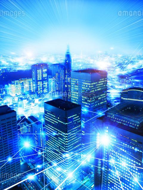 活発な都市イメージ 高層ビル夜景のイラスト素材 [FYI01417733]