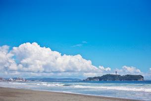 湘南海岸と江の島の写真素材 [FYI01420215]