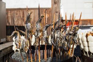 大内宿の岩魚塩焼きの写真素材 [FYI01421681]
