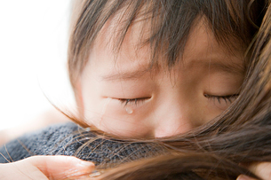 泣く子どもの写真素材 [FYI01423918]