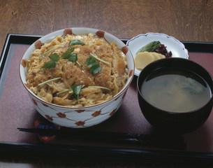 カツ丼の写真素材 [FYI01424520]