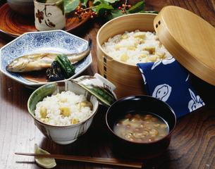 栗ご飯膳の写真素材 [FYI01424885]
