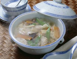 スープ餃子の写真素材 [FYI01424918]