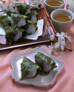 桜餅の写真素材 [FYI01425270]