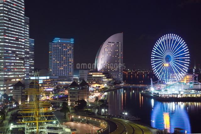 夜景・横浜みなとみらいの写真素材 [FYI01425347]
