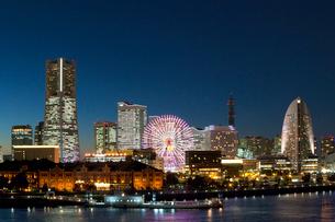 夜景 横浜みなとみらいの写真素材 [FYI01425351]