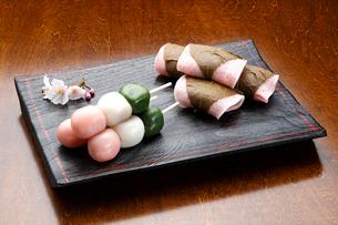 花見団子と桜餅の写真素材 [FYI01425513]