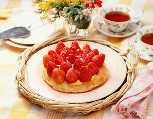 いちごのパイの写真素材 [FYI01425578]