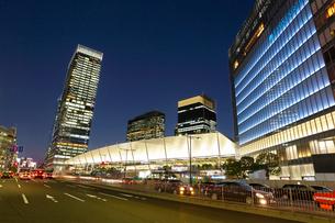 東京駅八重洲口グランルーフの写真素材 [FYI01425597]