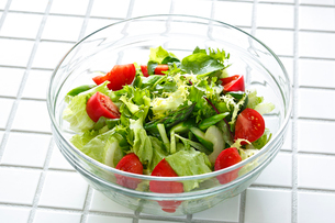 グリーンサラダの写真素材 [FYI01425599]