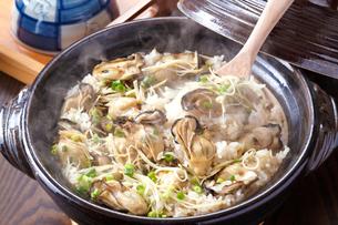 牡蛎ご飯の写真素材 [FYI01425825]