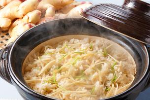 ショウガご飯(新生姜)の写真素材 [FYI01426396]