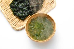 青のりの味噌汁の写真素材 [FYI01426404]