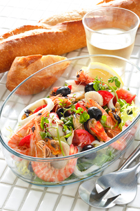 海鮮サラダの写真素材 [FYI01426419]