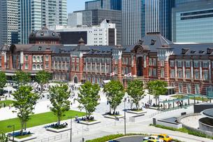 東京駅駅前広場の写真素材 [FYI01426496]
